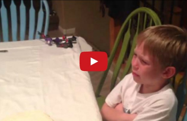 VIDEO:  Baby reveal gone wrong